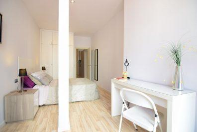 Ref 4102 – Apartamento en alquiler en la zona de Plaça Catalunya, Barcelona. 66m2