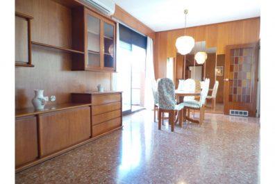 Ref 3240V – Apartament en venda a la zona d'El Guinardó, Barcelona. 96m2