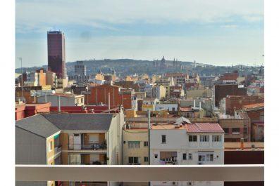 Ref 3582 – Àtic en lloguer a la zona de l'Eixample, Barcelona. 70m2