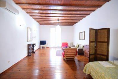 Ref 4040 – Estudi en lloguer a la zona de Ciutat Vella, Barcelona. 55 m2