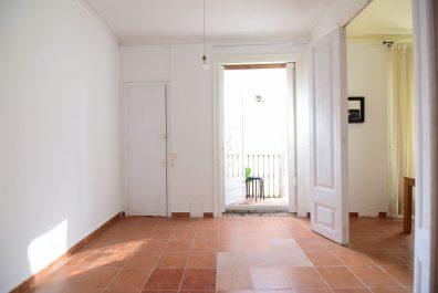Ref 4069 – Àtic en lloguer a la zona de Ciutat Vella, Barcelona. 120m2